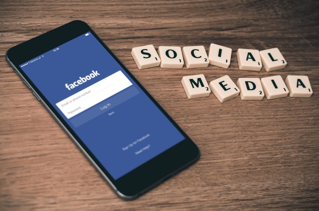 Facebook_Social Media
